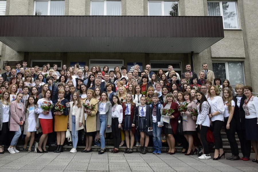 Зустріч обдарованих школярів Яворівщини з керівниками району